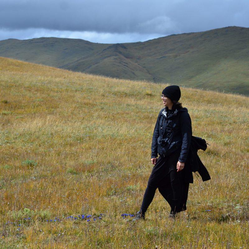 Vysoko v horách, nedaleko městečka Tagong, v západním Sečuánu (historicky Východní Tibet)